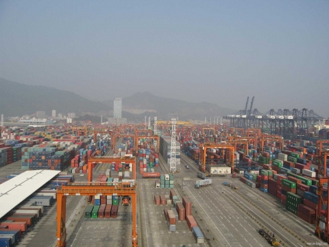 Loading accuracy essential for Xiamen Port in China